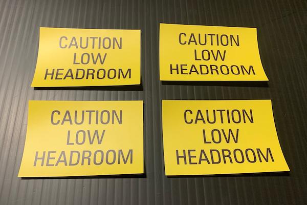 vinyl lettering signs